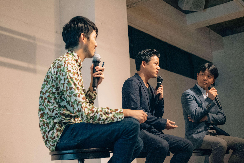 写真中央:株式会社WHERE代表取締役 平林和樹