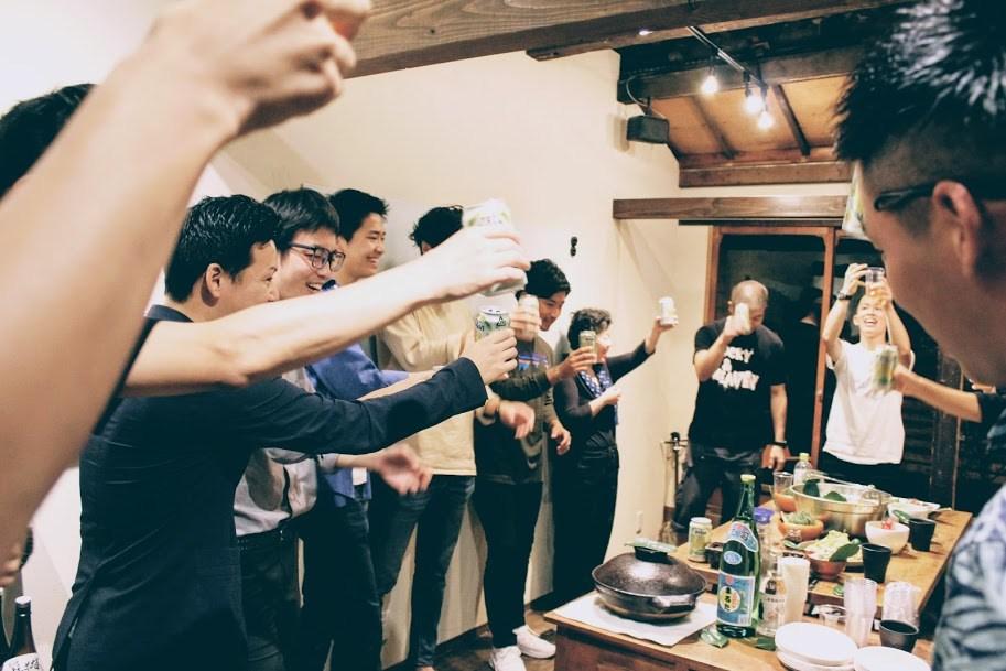沖縄名物「オリオンビール」で乾杯からスタート!