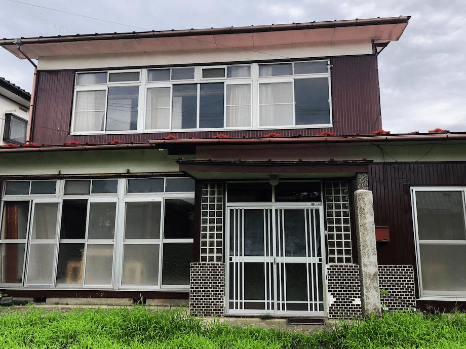 ENGAWAの外観(オープン前の取材だったため、写真は実際にお泊まりいただく際のENGAWAとは一部異なります)