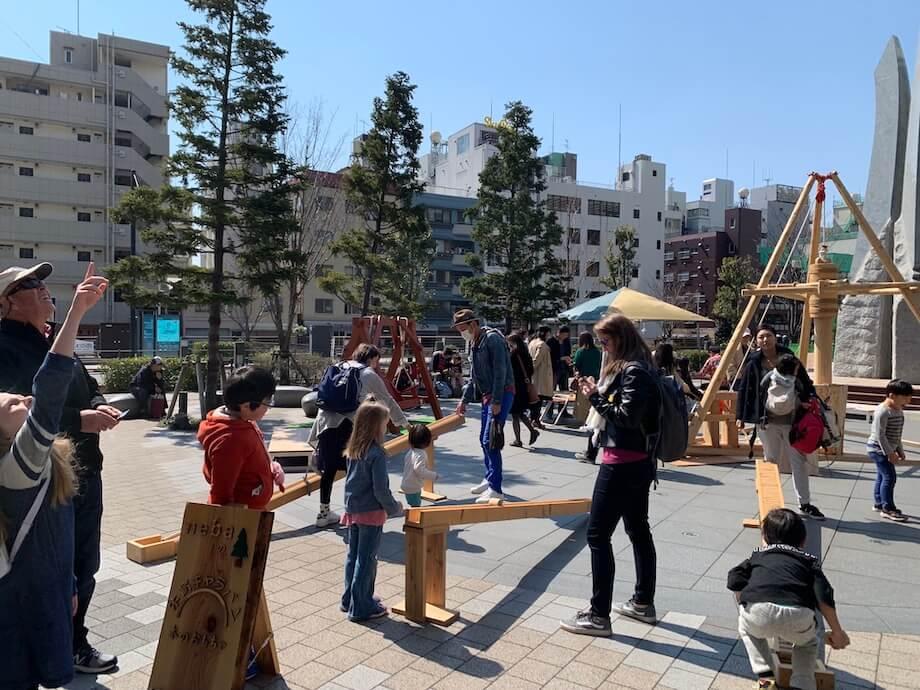 根羽村の森林を使って生み出された「動く木のおもちゃ」。東京スカイツリーをはじめ、東京ハーヴェストなど様々なところで展示が行われ、反響を得ている。