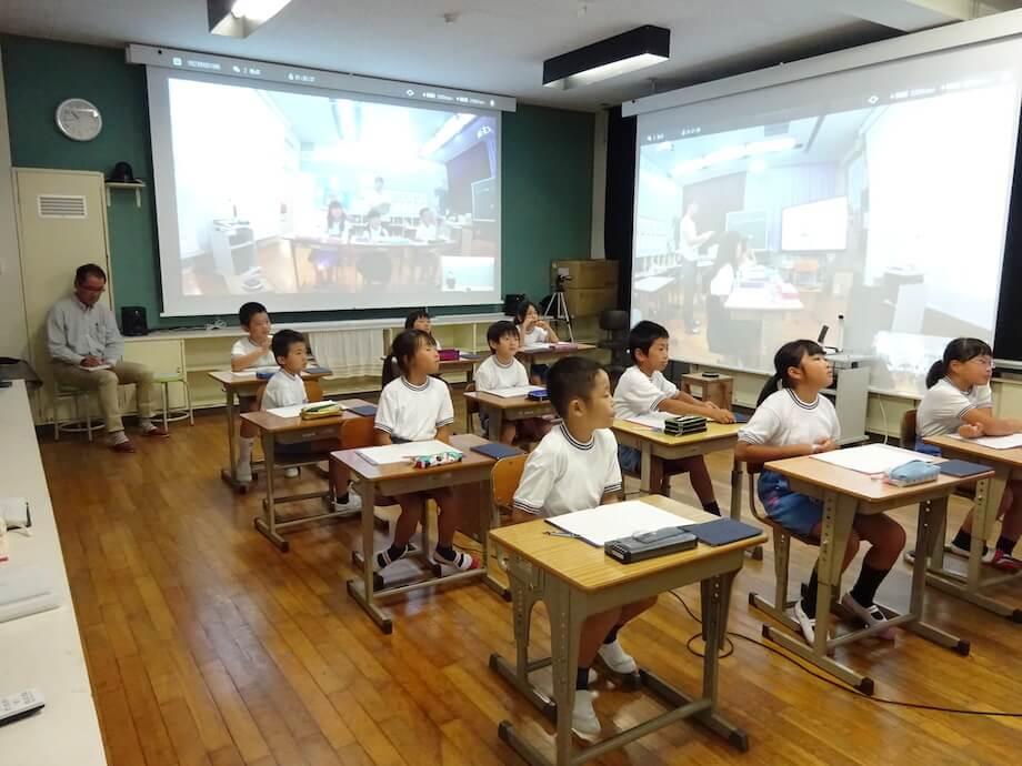 西条市内の小学校。西条市はICTなどの最先端教育も取り入れており、小規模校でもわかりやすく質の高い教育を受けられることから、教育環境の良さを決め手に移住を決める方も多い。