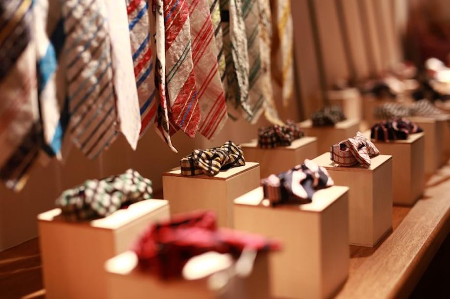富士吉田の機織り技術でつくられた「ネクタイ」は生産量日本一。