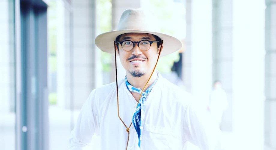井本 喜久(Yoshihisa Imoto)氏 The CAMPus 代表理事 / 広島県でコメ農家に生まれる。東京農業大学を卒業するも広告業界へ。世の中のオモシロイを形にするデザイン会社COZ(株)を創業。「次世代のPEACEを創る」を自身のテーマに様々な企業のブランドづくりに携わる。2012年、飲食のオリジナルブランドをスタートさせ農文化への興味が再燃。2016年には「学び」をテーマにした都市型マルシェを新宿駅屋上で展開し延べ10万人を動員。2017年11月末、インターネット上にオンライン農学校「The CAMPus」を誕生させた。