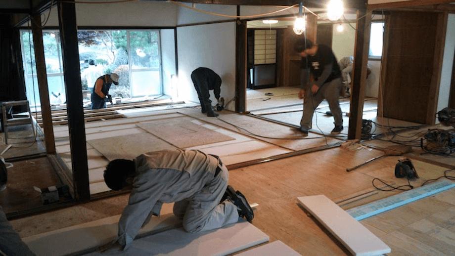 空き家バンク成約物件のDIY改修イベントの様子