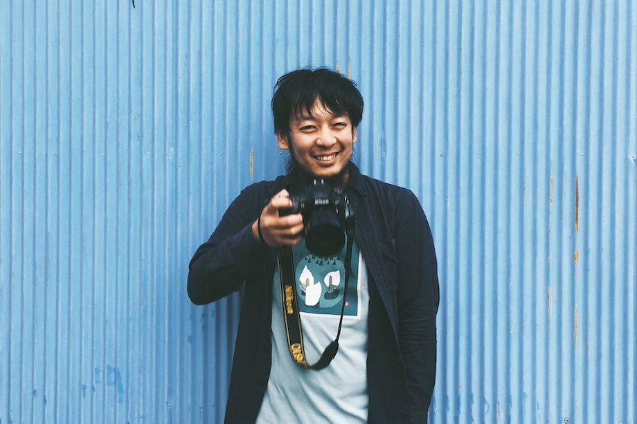 江澤 勇介さん 埼玉県北本市観光協会 職員 / 埼玉県北本市出身、在住。カメラマン。「面白いこと」を軸に、カメラマンの他、マーケットイベント縁側日和・NEW HOLIDAYの企画運営、実験と発見の場「ツカノマ」の運営、出張写真館「束ノ間写真館」の営業などを行う。現在は、シェアキッチン「ケルン」を運営しながら市内に面白い場所を増やしている。