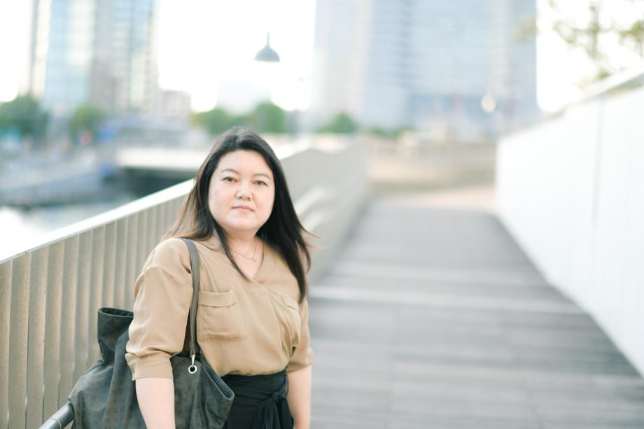 石塚 清香さん 横浜市経済局ICT専任職、総務省地域情報化アドバイザー /平成3年横浜市入庁。教育用PC・インフラ整備担当、横浜市国民健康保険システムの運用管理を経験した後、2013年にオープンデータを活用したパーソナライズ型子育てポータル「育なび.net」を企画・構築し、全国的に子育てアプリが立ち上がるキッカケを作る。その他、官民協働による防災情報伝達システムの構築や経産省の情報共有基盤推進などにも参画。プライベートでは、Code for YOKOHAMAや横浜市職員自主勉強会「よこはまYYラボ」に参加。地方公務員が本当にすごい!と思う地方公務員アワード2017授賞。
