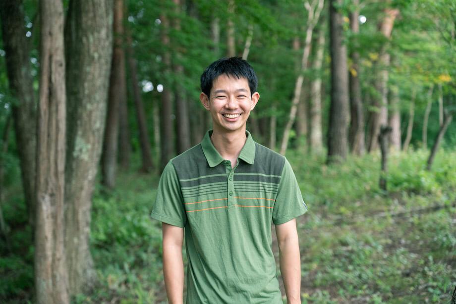 新宮圭 (Kei Singu)さん / 1989年神奈川県生まれ。慶應義塾大学を経て、ヤフー株式会社に就職、エンジニアとして活躍。その後、デザイナーで折り紙作家であった父が創立した株式会社シティプランに所属、「おりがみくらぶ」の運営を担当。現在は都内のベンチャー企業でシステム開発に携わりながら、自身で立ち上げた会社「オリカタ」で同名の折り紙のアプリサービス(https://orikata-app.com)を運営する。八ヶ岳の麓にある富士見町には、長野県の移住応援制度「おためしナガノ2018」を利用して移住、現在にいたる。